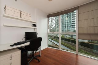 """Photo 11: 509 1018 CAMBIE Street in Vancouver: Yaletown Condo for sale in """"Marina Pointe - Waterworks"""" (Vancouver West)  : MLS®# R2122764"""