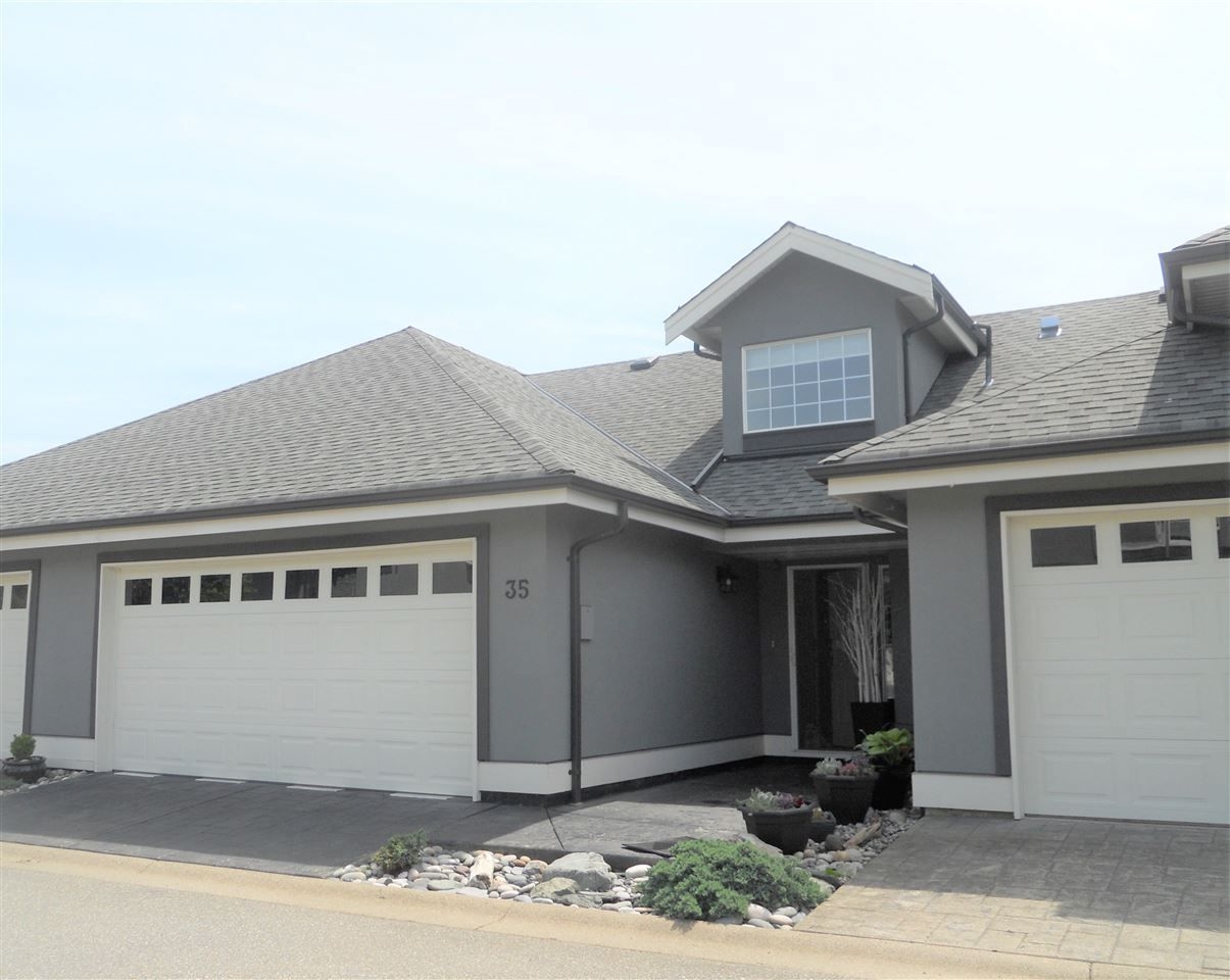 """Main Photo: 35 2068 WINFIELD Drive in Abbotsford: Abbotsford East Townhouse for sale in """"Summit"""" : MLS®# R2375475"""