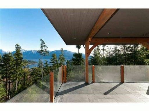 Main Photo: 911 Elrond's CT: Bowen Island House for sale : MLS®# V997413