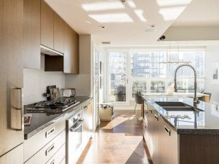 """Photo 6: 2001 1055 RICHARDS Street in Vancouver: Downtown VW Condo for sale in """"Donovan"""" (Vancouver West)  : MLS®# R2555936"""
