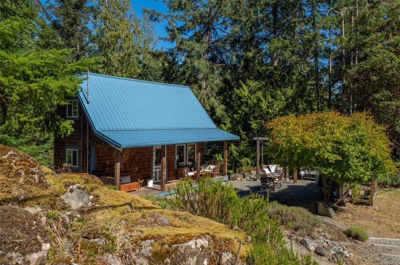 FEATURED LISTING: 2616 Spyglass Rd