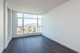 """Photo 3: 3307 4670 ASSEMBLY Way in Burnaby: Metrotown Condo for sale in """"Station Square"""" (Burnaby South)  : MLS®# R2426014"""