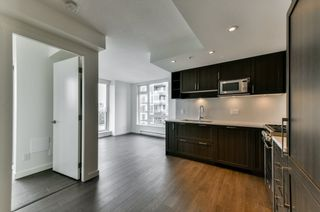 "Photo 6: 2102 5470 ORMIDALE Street in Vancouver: Collingwood VE Condo for sale in ""WALL CENTRE CENTRAL PARK 3"" (Vancouver East)  : MLS®# R2537972"