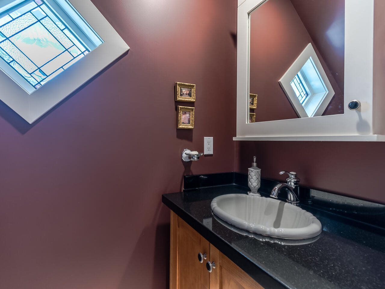 Photo 35: Photos: 905 LAUREL Street in New Westminster: The Heights NW House for sale : MLS®# R2570711