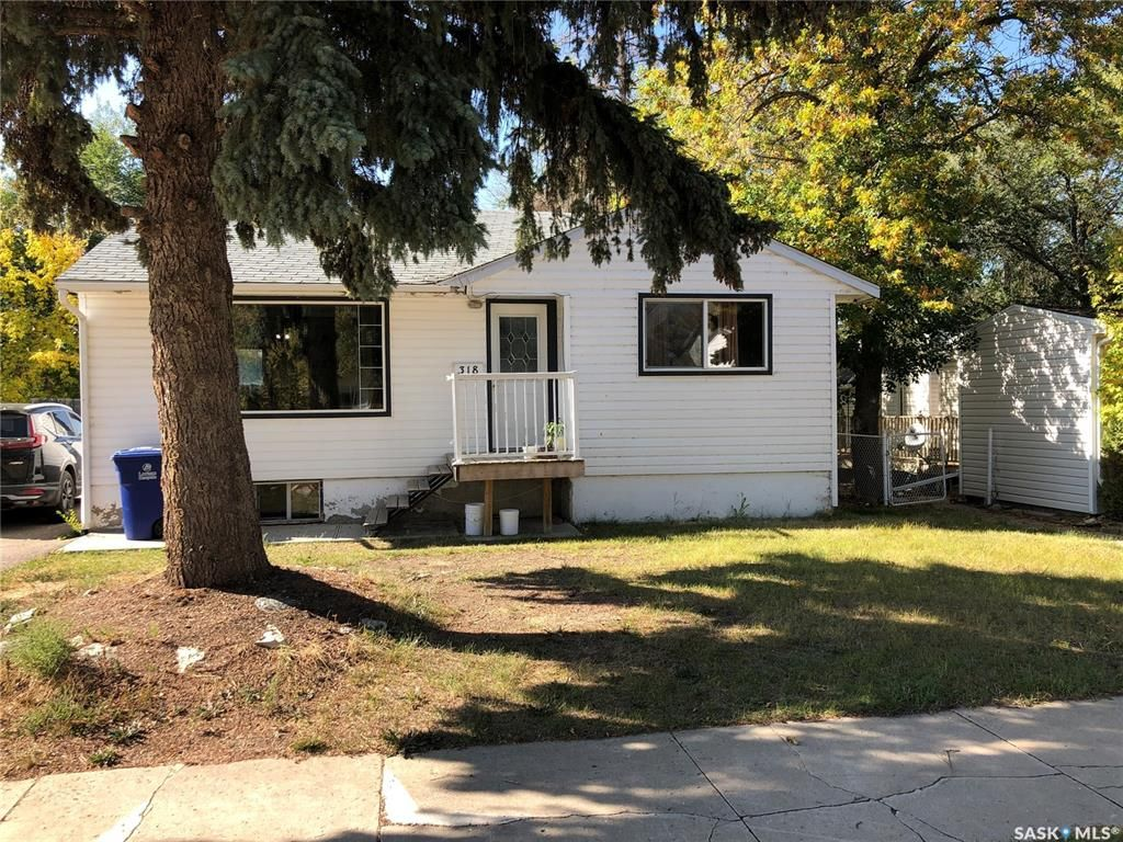 Main Photo: 318 Douglass Street in Outlook: Residential for sale : MLS®# SK827510