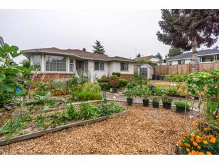 Photo 19: 17989 64 Avenue in Surrey: Cloverdale BC House for sale (Cloverdale)  : MLS®# R2201816