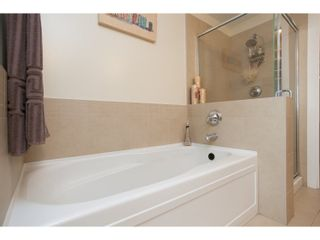"""Photo 18: 208 16421 64 Avenue in Surrey: Cloverdale BC Condo for sale in """"St. Andrews at Northview"""" (Cloverdale)  : MLS®# R2041452"""