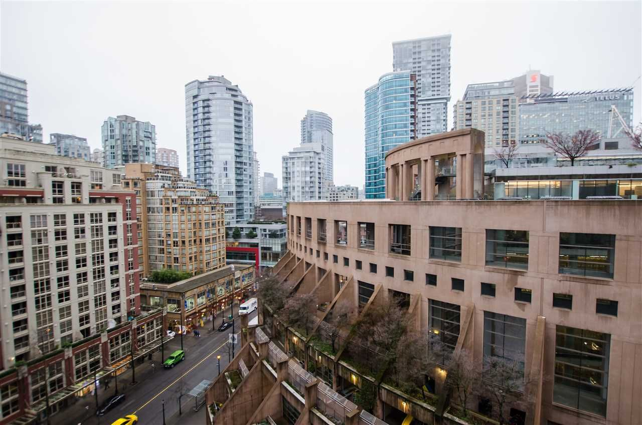 Main Photo: 1608 788 HAMILTON STREET in Vancouver: Downtown VW Condo for sale (Vancouver West)  : MLS®# R2426696
