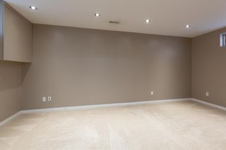 Photo 11: 887 Erin Woods Drive SE in Calgary: Erin Woods Detached for sale : MLS®# A1099055