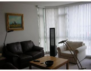 """Photo 4: 140 E 14TH Street in North Vancouver: Central Lonsdale Condo for sale in """"SPRINGHILL PLACE"""" : MLS®# V635846"""