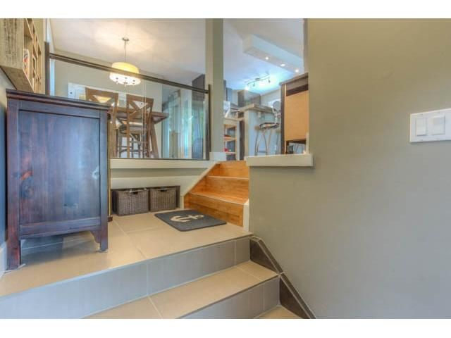 Photo 5: Photos: 39 SHAWGLEN Place SW in CALGARY: Shawnessy Residential Detached Single Family for sale (Calgary)  : MLS®# C3633354