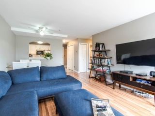 """Photo 11: 305 3128 FLINT Street in Port Coquitlam: Glenwood PQ Condo for sale in """"FRASER COURT TERRACE"""" : MLS®# R2456754"""