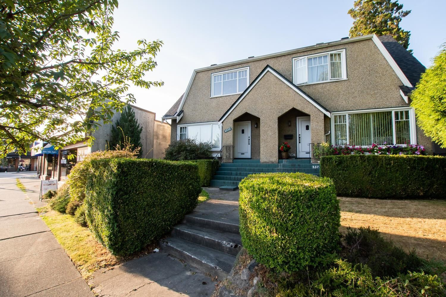 Main Photo: 2571 W 16TH Avenue in Vancouver: Kitsilano House for sale (Vancouver West)  : MLS®# R2611770