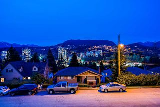 Photo 20: 3325 VIEWMOUNT Drive in Port Moody: Port Moody Centre House for sale : MLS®# R2257161