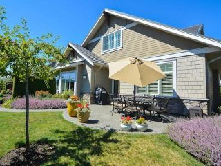 Photo 2: 105 1055 Crown Isle Dr in COURTENAY: CV Crown Isle Row/Townhouse for sale (Comox Valley)  : MLS®# 740518