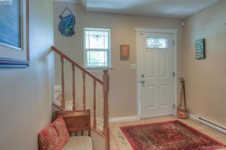 Photo 5: 1006 Isabell Ave in VICTORIA: La Walfred House for sale (Langford)  : MLS®# 799932