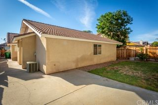 Photo 19: House for sale : 4 bedrooms : 39552 Crystal Lake Court in Murrieta