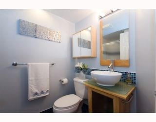 Photo 8: 508 888 HAMILTON in Rosedale Gardens: Home for sale