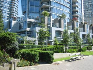 Photo 1: TH26 1281 West Cordova in Callisto of Coal Harbour: Coal Harbour Home for sale ()  : MLS®# V596082