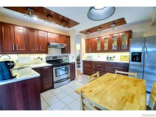 Photo 2: 91 Eaglemere Drive in WINNIPEG: East Kildonan Residential for sale (North East Winnipeg)  : MLS®# 1530574