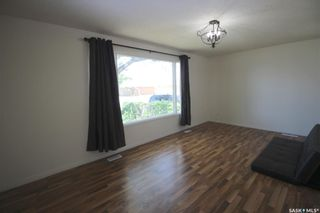 Photo 3: 450 Vancouver Avenue North in Saskatoon: Mount Royal SA Residential for sale : MLS®# SK860864