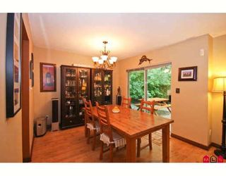 """Photo 3: 119 8655 KING GEORGE Highway in Surrey: Queen Mary Park Surrey Townhouse for sale in """"CREEKSIDE VILLAGE"""" : MLS®# F2917932"""