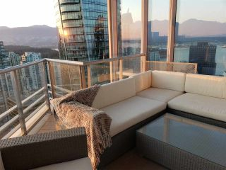 """Photo 6: 3402 1111 ALBERNI Street in Vancouver: West End VW Condo for sale in """"Shangri-La Live/Work"""" (Vancouver West)  : MLS®# R2482149"""