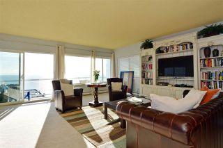 Photo 3: 15376 COLUMBIA Avenue: White Rock House for sale (South Surrey White Rock)  : MLS®# R2032006