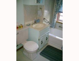 Photo 8: 477 BROOKLYN Street in WINNIPEG: St James Residential for sale (West Winnipeg)  : MLS®# 2818059