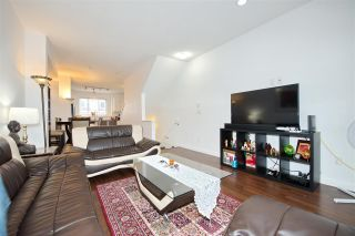 Photo 4: 9 2487 156 Street in Surrey: King George Corridor Townhouse for sale (South Surrey White Rock)  : MLS®# R2428801