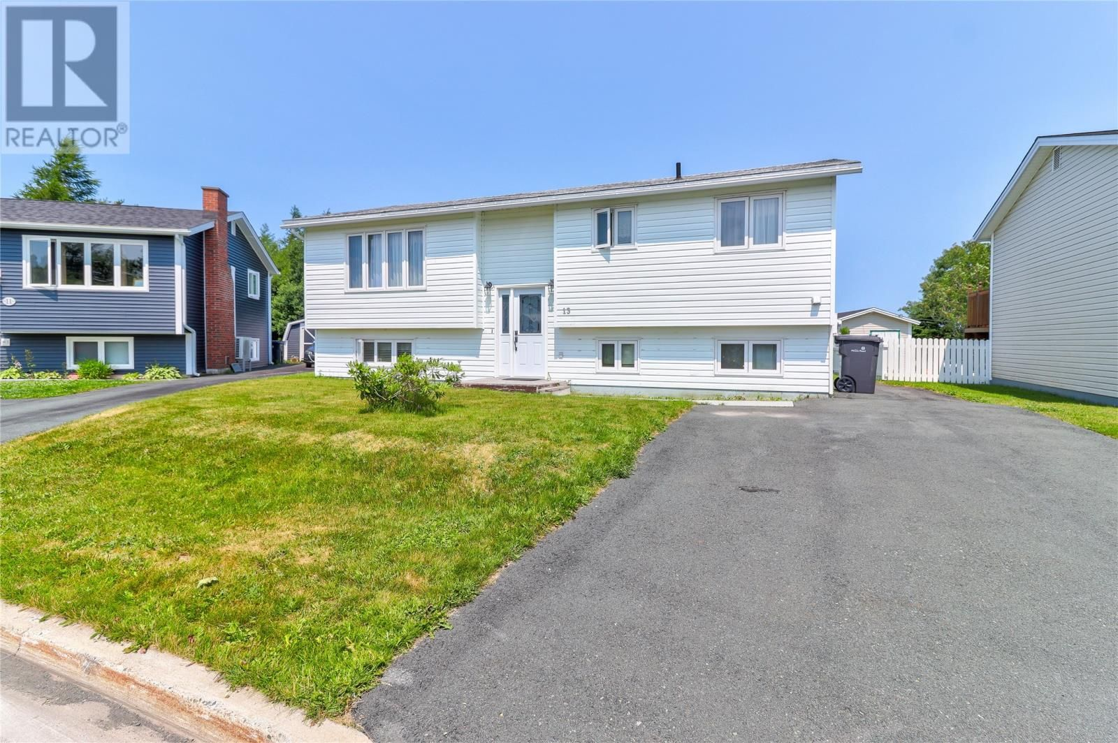 Main Photo: 13 Burgess Avenue in Mount Pearl: House for sale : MLS®# 1233701