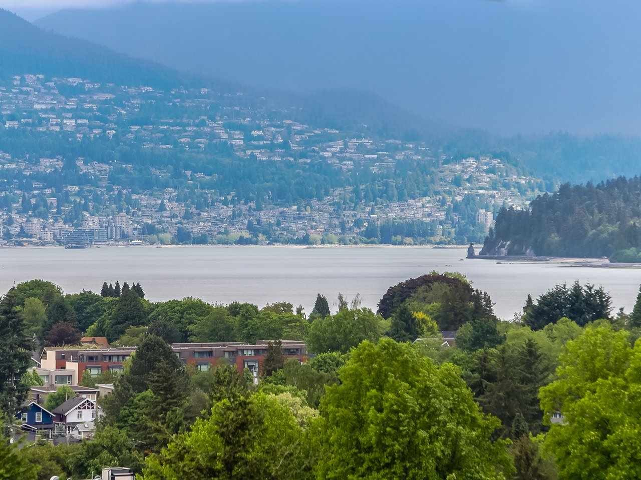 Main Photo: 3749 W 14TH Avenue in Vancouver: Point Grey House for sale (Vancouver West)  : MLS®# R2273913