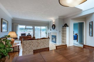 Photo 2: 29 4318 Emily Carr Dr in : SE Broadmead Row/Townhouse for sale (Saanich East)  : MLS®# 871030