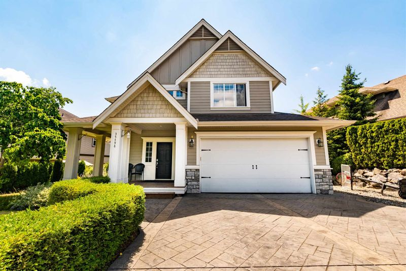 FEATURED LISTING: 35498 MCKINLEY Drive Abbotsford