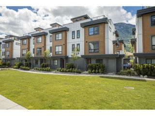 """Photo 1: 18 39769 GOVERNMENT Road in Squamish: Northyards Townhouse for sale in """"BREEZE"""" : MLS®# R2589642"""