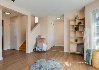 Photo 5: 26 River Rock Way SE in Calgary: Riverbend Detached for sale : MLS®# A1147690