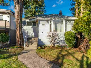 Photo 2: 3049 CHARLES Street in Vancouver: Renfrew VE House for sale (Vancouver East)  : MLS®# R2542647