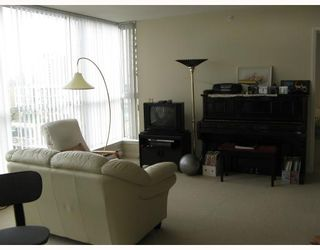 """Photo 6: # 806 7878 WESTMINSTER Hwy in Richmond: Brighouse Condo for sale in """"WELLINGTON AT THREE WEST CENTRE"""" : MLS®# V678653"""