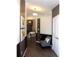 Photo 2: 95 COTSWOLD Crescent in Winnipeg: River Park South Residential for sale (2F)  : MLS®# 1701644