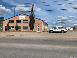 Photo 1: 142 105th Street East in Saskatoon: Sutherland Industrial Commercial for sale : MLS®# SK871122