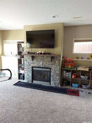 Photo 3: 818 Columbia Way in Martensville: Residential for sale : MLS®# SK852573