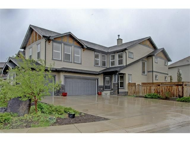 Main Photo: 33 VAL GARDENA Place SW in Calgary: Springbank Hill House for sale : MLS®# C4118908
