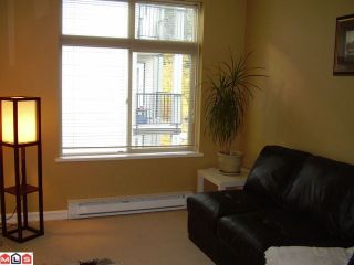 """Photo 5: 402 10088 148TH Street in Surrey: Guildford Condo for sale in """"Bloomsbury Court"""" (North Surrey)  : MLS®# F1126553"""
