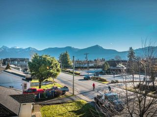 """Photo 7: 202 46053 CHILLIWACK CENTRAL Road in Chilliwack: Chilliwack E Young-Yale Condo for sale in """"TUSCANY"""" : MLS®# R2530942"""