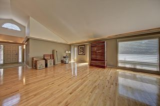 Photo 17: 3911 CRESTVIEW Road SW in Calgary: Elbow Park Detached for sale : MLS®# A1082618