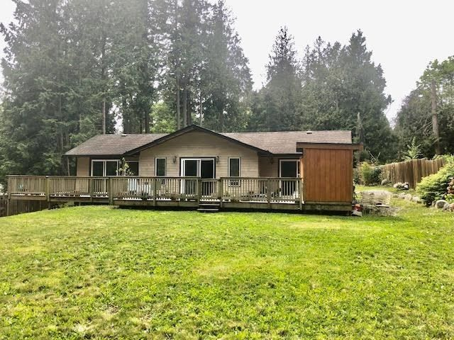 Main Photo: 114 PRATT Road in Gibsons: Gibsons & Area House for sale (Sunshine Coast)  : MLS®# R2574055