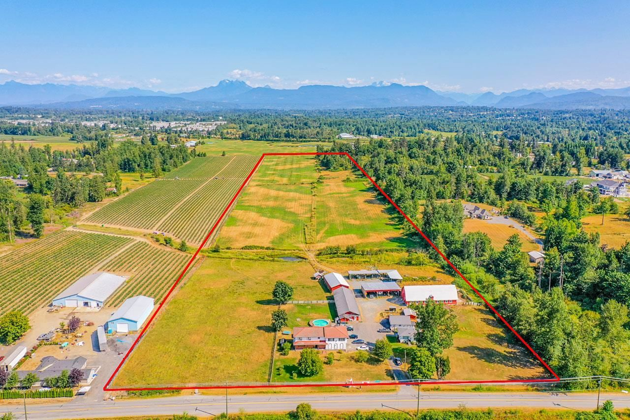 Main Photo: 27739 DOWNES Road in Abbotsford: Aberdeen House for sale : MLS®# R2602670