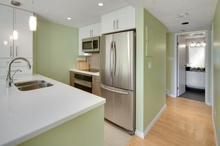 """Photo 12: 401 1406 HARWOOD Street in Vancouver: West End VW Condo for sale in """"JULIA COURT"""" (Vancouver West)  : MLS®# R2568055"""