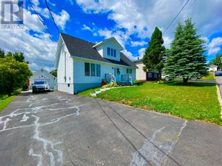 Photo 4: 33 second Avenue in Lewisporte: House for sale : MLS®# 1235599