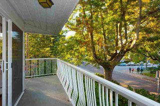 """Photo 15: 203 1696 W 10TH Avenue in Vancouver: Fairview VW Condo for sale in """"Landmark Plaza"""" (Vancouver West)  : MLS®# R2512811"""
